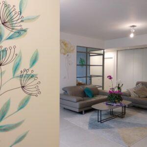 ציור קיר בכניסה לבית