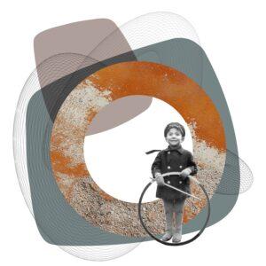 ילד עם גלגל
