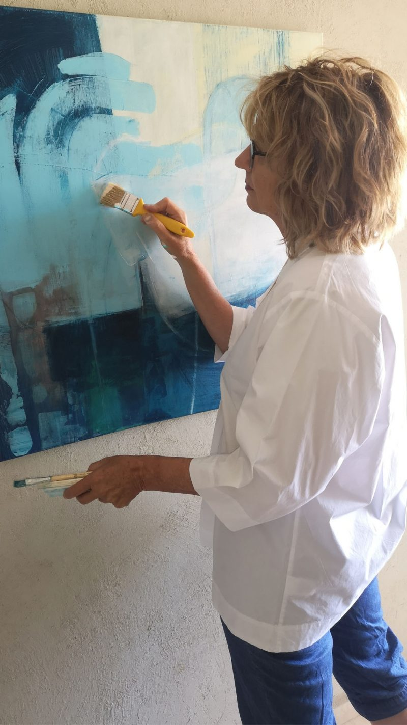 """פינישים אחרונים לציור """"ציפור כחולה"""""""