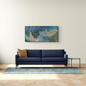 """הדמיה של הציור """"יונים"""" מעל הספה בסלון"""
